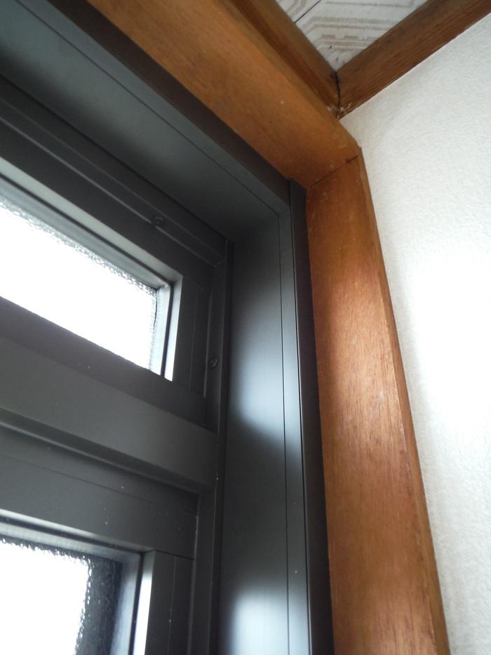 玄関ドアリフォーム ~ 1日で取り替え終了。_d0165368_5382425.jpg