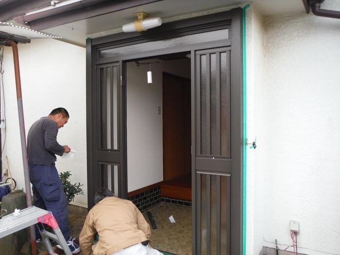 玄関ドアリフォーム ~ 1日で取り替え終了。_d0165368_5384191.jpg