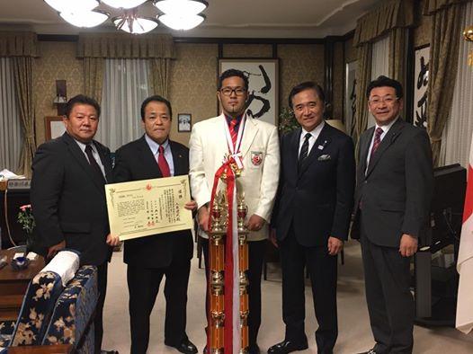 和歌山の黒岡支部長主催の大会応援の為、伊丹経由で和歌山入り。_c0186691_10143324.jpg