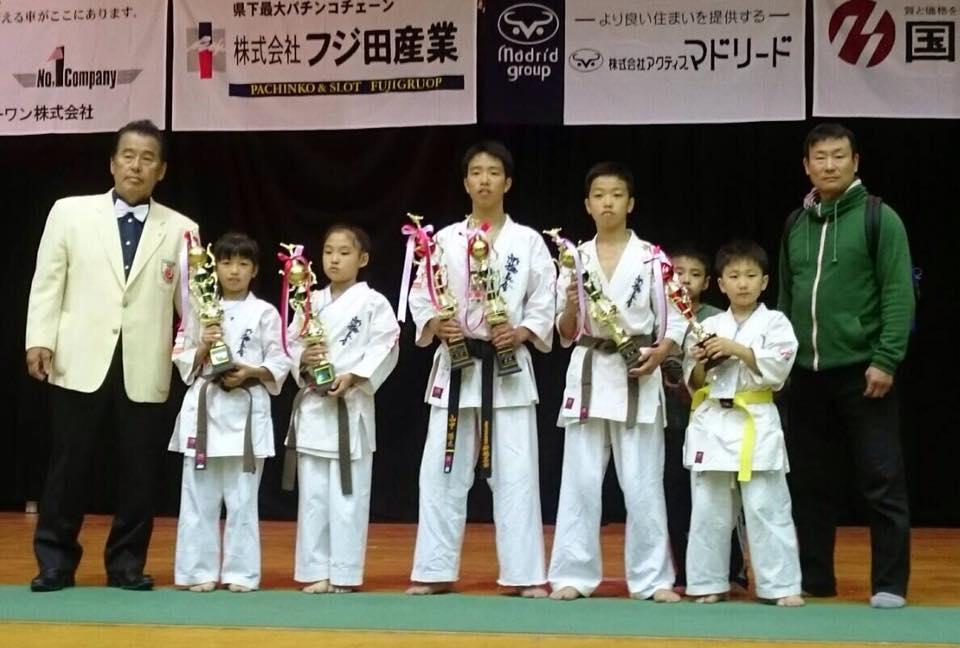 第23回和歌山県大会で「高知勢4階級制覇!!」_c0186691_2127566.jpg