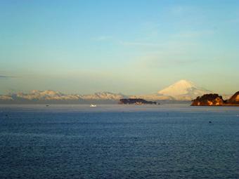 今朝の富士は真っ白でした。_c0195909_10533417.jpg