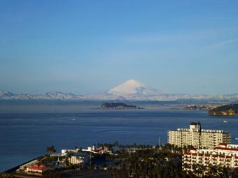 今朝の富士は真っ白でした。_c0195909_10533998.jpg