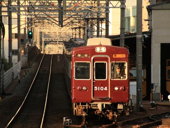 阪急5104F 十三駅にて撮り鉄。_d0202264_1771784.jpg