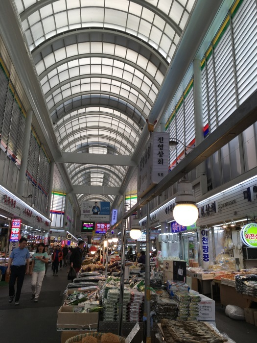 ソウルから大邱へ。最終回 ソウルの中部市場と里門ソルロンタン_a0223786_15204676.jpg