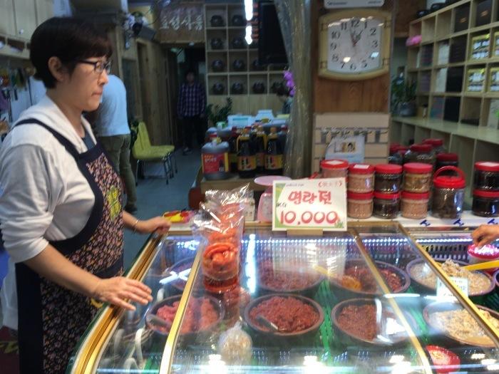 ソウルから大邱へ。最終回 ソウルの中部市場と里門ソルロンタン_a0223786_15251212.jpg