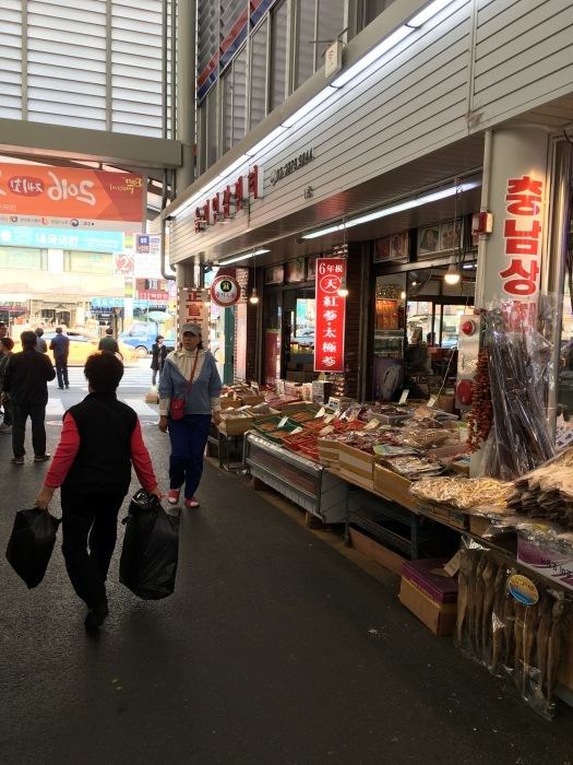 ソウルから大邱へ。最終回 ソウルの中部市場と里門ソルロンタン_a0223786_15353702.jpg