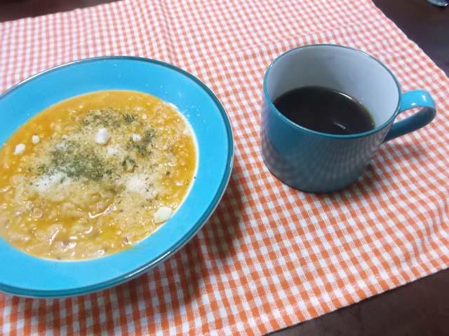 簡単トマトリゾットで朝食_f0019498_6495520.jpg