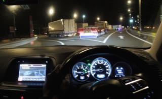 以前は楽々車中泊が出来たPA.SAも今ではトラックでほぼ満室...._b0194185_22402673.jpg
