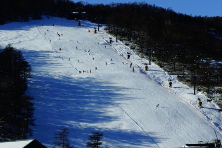 今日はスキー場開き_e0120896_09570709.jpg