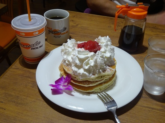 KOA Pancake Houseでストロベリーホイップパンケーキ_e0230011_17082509.jpg