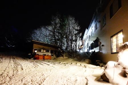 雪景色の夜_e0120896_07183172.jpg