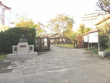 夏目漱石(雑司ケ谷霊園に眠る有名人⑦)_c0187004_23551248.jpg