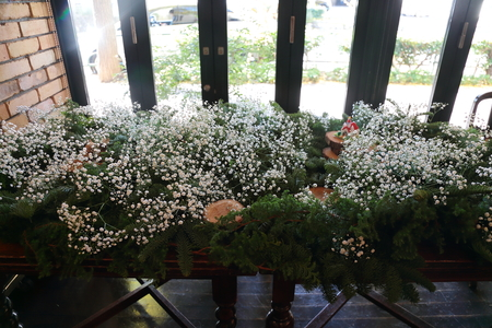 秋の装花 かすみそうの花畑の中の小さな教会とチュール高砂 ザ・ハウス白金様へ _a0042928_22121385.jpg