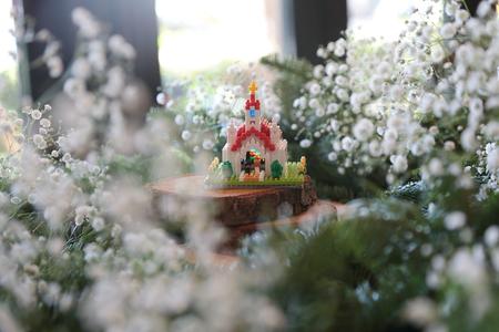 秋の装花 かすみそうの花畑の中の小さな教会とチュール高砂 ザ・ハウス白金様へ _a0042928_2295885.jpg