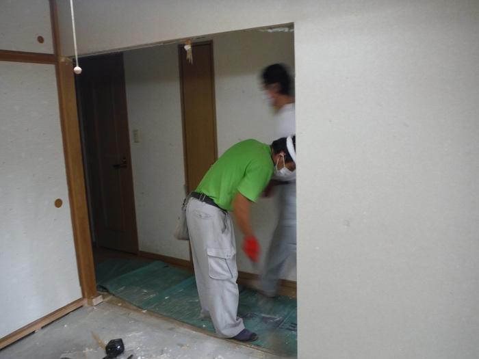 中古マンションリフォーム ~ 和室の壁工事_d0165368_1102032.jpg
