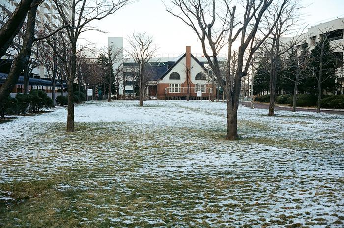 根雪前の空気と光_c0182775_1621367.jpg