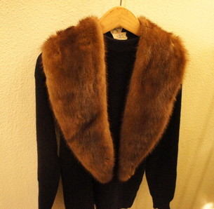 Real fur cape, stole..._f0144612_13074794.jpg