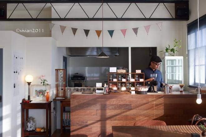 KALEIDO COFFEE(カレイド コーヒー) ~隠れていないけれど隠れ家のようなコーヒー店~_e0227942_21442652.jpg