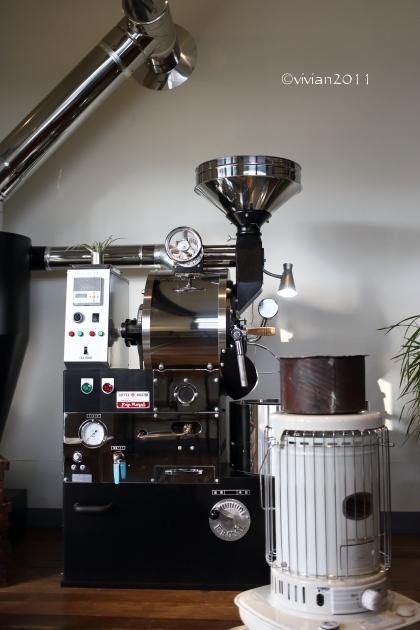 KALEIDO COFFEE(カレイド コーヒー) ~隠れていないけれど隠れ家のようなコーヒー店~_e0227942_21445748.jpg