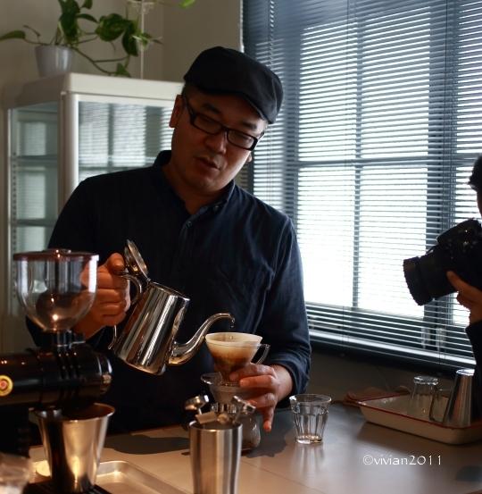 KALEIDO COFFEE(カレイド コーヒー) ~隠れていないけれど隠れ家のようなコーヒー店~_e0227942_21523580.jpg