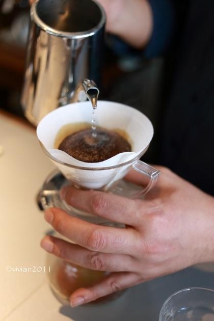 KALEIDO COFFEE(カレイド コーヒー) ~隠れていないけれど隠れ家のようなコーヒー店~_e0227942_21535351.jpg