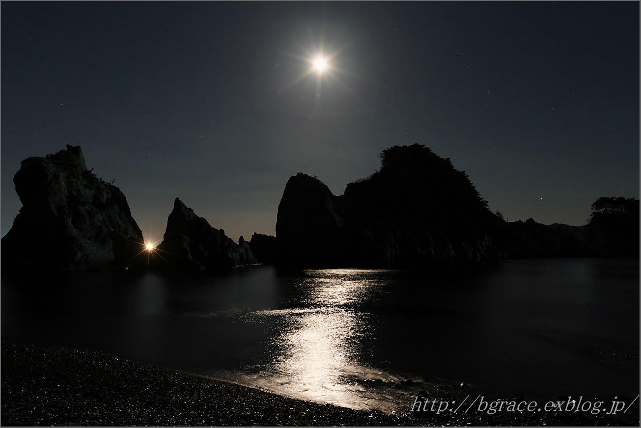 浄土ヶ浜の月_b0191074_22553798.jpg