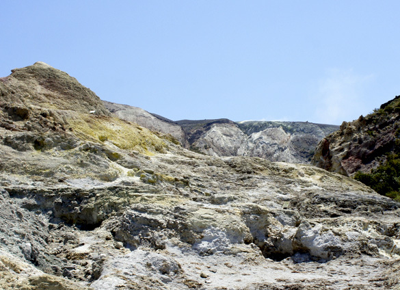 ヴルカーノ島1. 世にもワイルドな泥んこ温泉でファンゴ三昧!!_f0205783_15344141.jpg