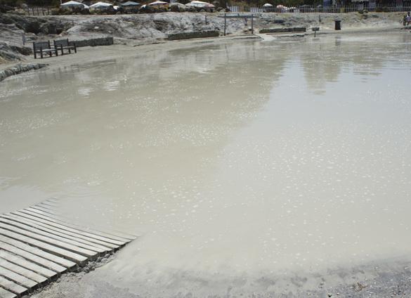 ヴルカーノ島1. 世にもワイルドな泥んこ温泉でファンゴ三昧!!_f0205783_16150439.jpg