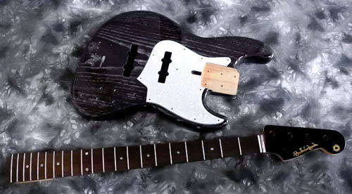 「STD-TとPsychomasterと5弦Bass」の塗装が完了!_e0053731_1622817.jpg