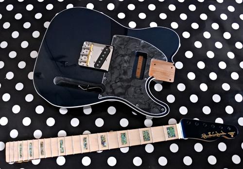 「STD-TとPsychomasterと5弦Bass」の塗装が完了!_e0053731_1623598.jpg