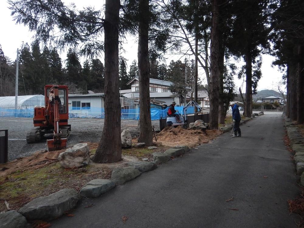 第三駐車場入り口新設作業_c0111229_17100248.jpg