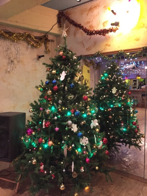 サルーのクリスマス・ツリー #tokyo #日暮里 #サルー #キューバ音楽 #ワークショップ #ラテン #クリスマスツリー #サンタクロース_a0103940_19225729.jpg