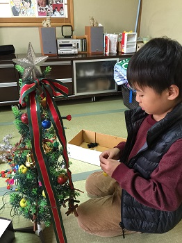12月になりました~☆ クリスマスツリー準備でちゅ~!!_e0123286_1922214.jpg
