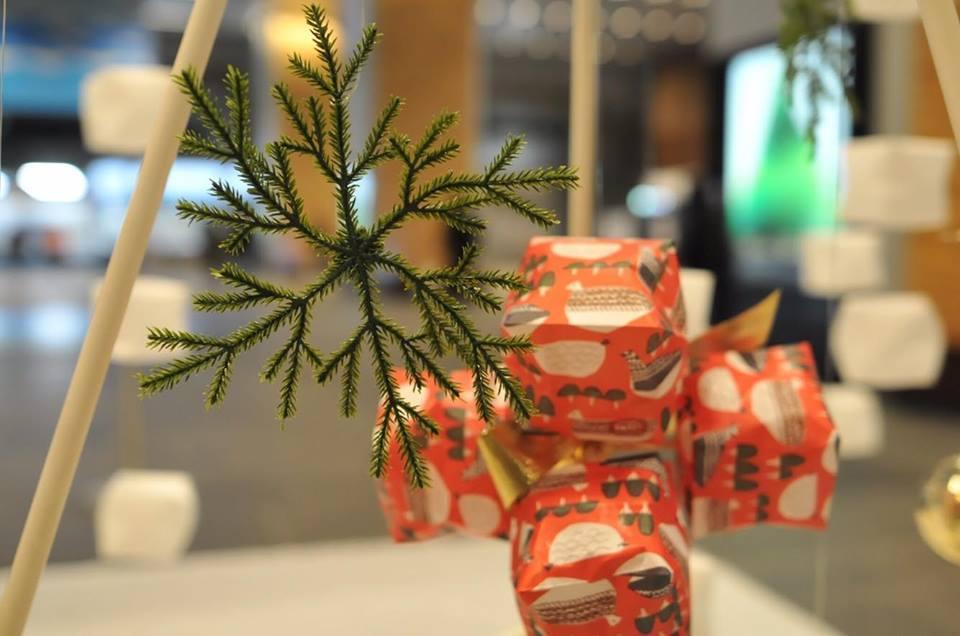 富山駅でクリスマスデコレーションしてきました。_d0182409_18383766.jpg