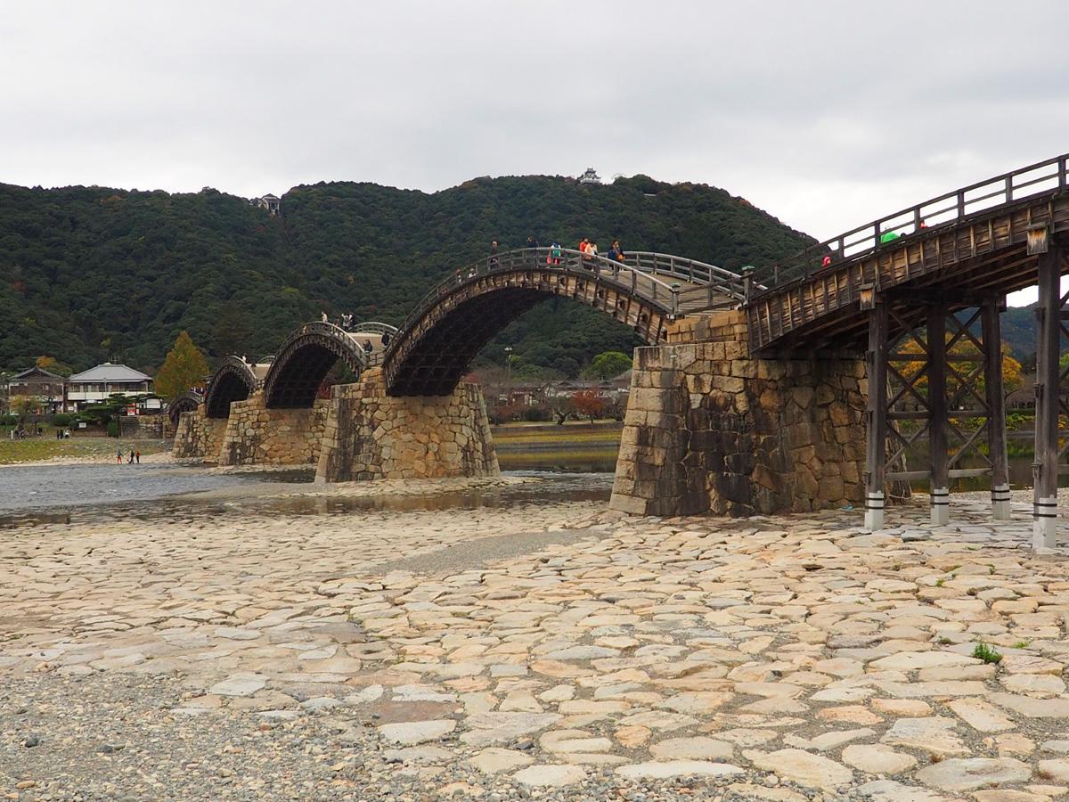 錦帯橋と岩国城_d0283373_1659781.jpg