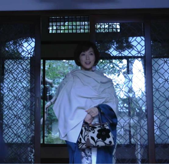 女優 若村麻由美さん出演のドラマ衣装にJOJO reticule バンブーバッグが登場!_b0115615_1450273.png