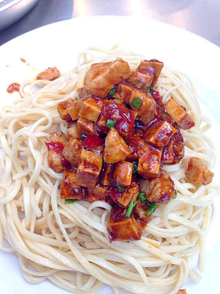 上海冷麺と生煎包_a0175348_13475071.jpg