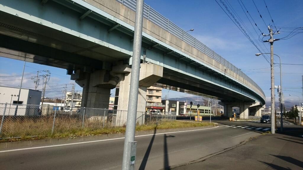 自転車で函館蔦屋書店から五稜郭駅へ_b0106766_22423704.jpg