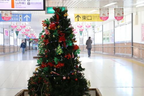福島駅西口改札口から東口改札口への通路のイルミネーション_c0075701_175347.jpg