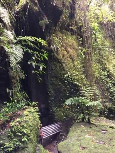 """トゥカッ・チュプンの滝へ行ってみました。その1 \""""Jalan2 ke Air Terjun Tukad Cepung I\""""_a0120328_17282994.jpg"""