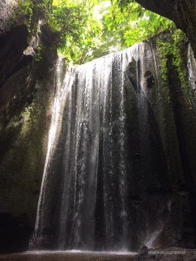 """トゥカッ・チュプンの滝へ行ってみました。その2 \""""Jalan2 ke Air Terjun Tukad Cepung II""""_a0120328_18531480.jpg"""
