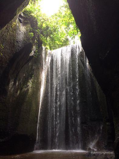 """トゥカッ・チュプンの滝へ行ってみました。その2 \""""Jalan2 ke Air Terjun Tukad Cepung II""""_a0120328_18533192.jpg"""