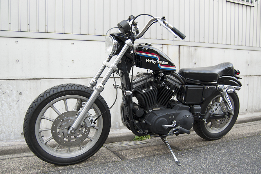 FOR SALE!! HARLEY-DAVIDSON XL883R コンプリートカスタム_e0182444_19191310.jpg