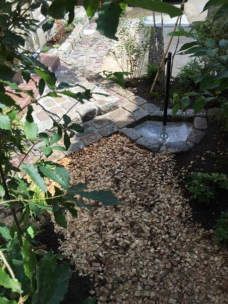 雑木の庭。晩秋の景色に。_e0356655_18073291.jpg