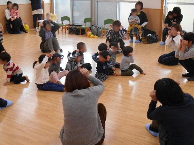 くま組 保育参観と給食懇談会_e0148419_11562290.jpg