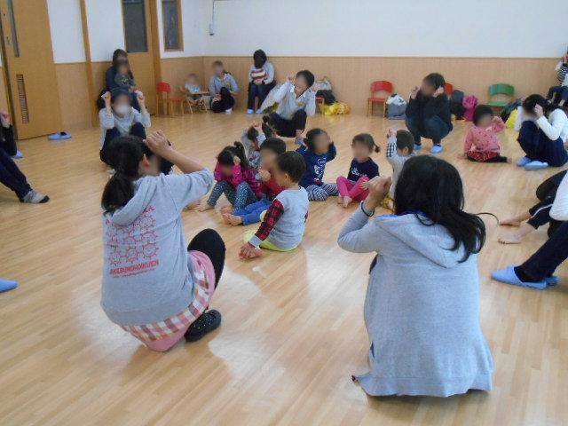 くま組 保育参観と給食懇談会_e0148419_11565990.jpg