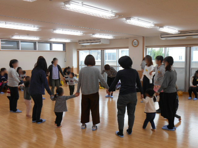 くま組 保育参観と給食懇談会_e0148419_1156615.jpg