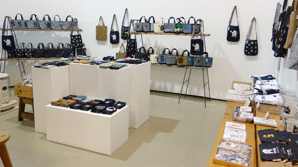 今日12/7(水)から!『5inch & megumi murakami Christamas Exhibition』とりあえず全部見せます!_a0017350_07151785.jpg