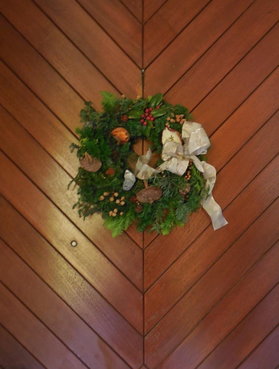 自然素材のクリスマス・リースを作りました!_e0356356_18230214.jpg