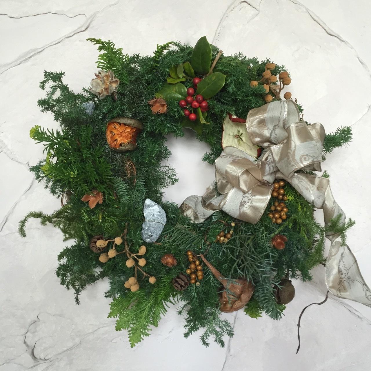 クリスマス・リースとオルウェンくん。_e0356356_18412337.jpg